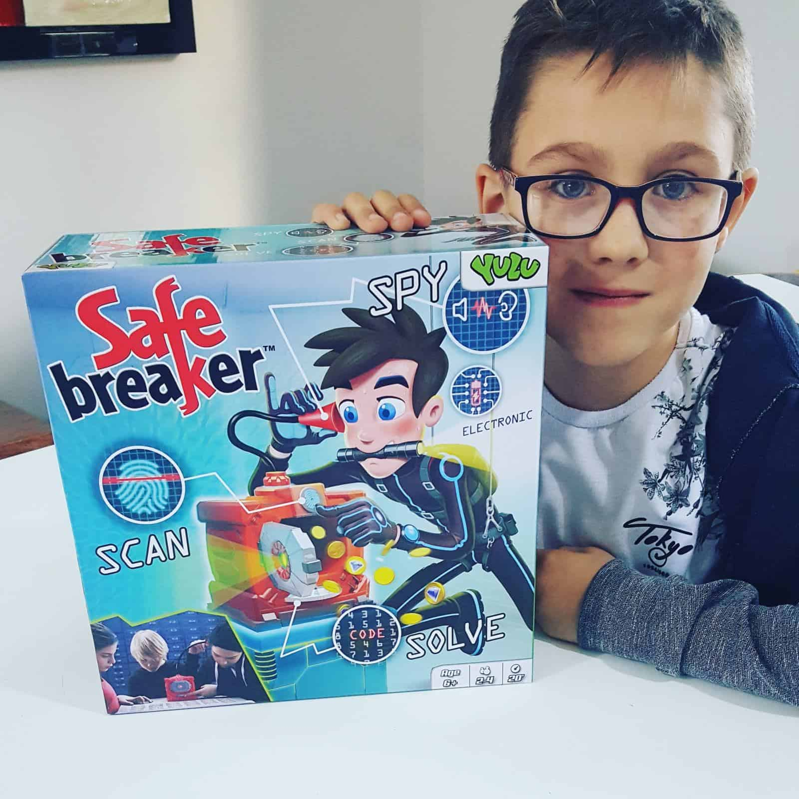 Safe Breaker Game Review - board games 8 year olds
